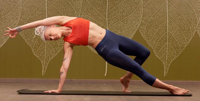 653x331_yoga_academy
